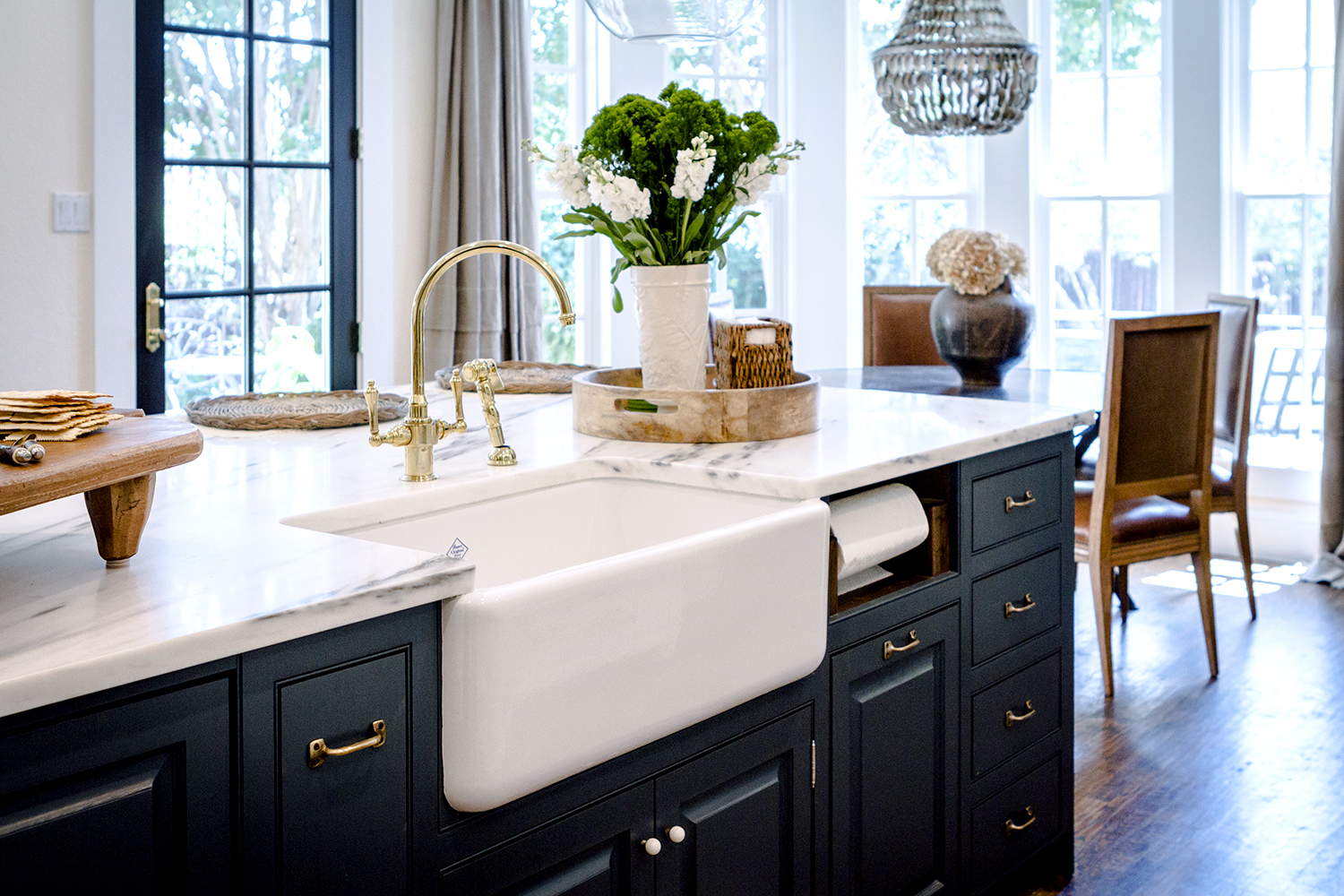 A Kitchen That Draws In A Crowd Rue