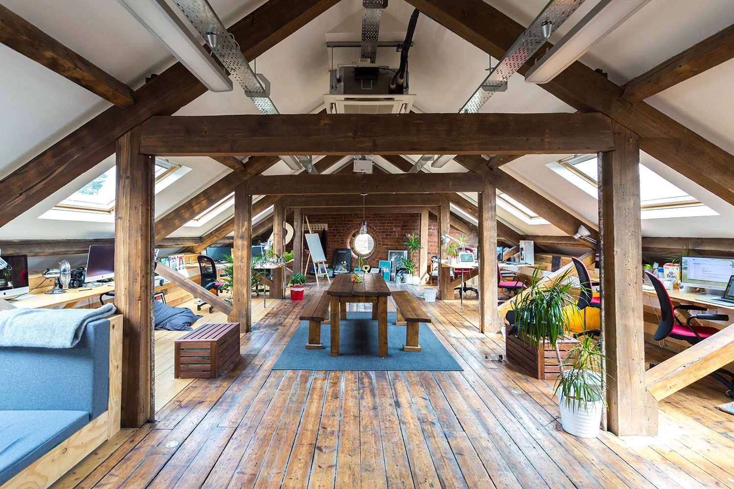 Inspired By Creative Workspaces At Companies Such As Pixar And Google, Duke  Studios In Leeds UK Decided To Create A Similar Space For Creative  Freelancers ...