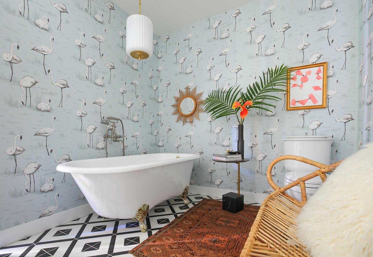 a flamingo filled serene bath rue. Black Bedroom Furniture Sets. Home Design Ideas