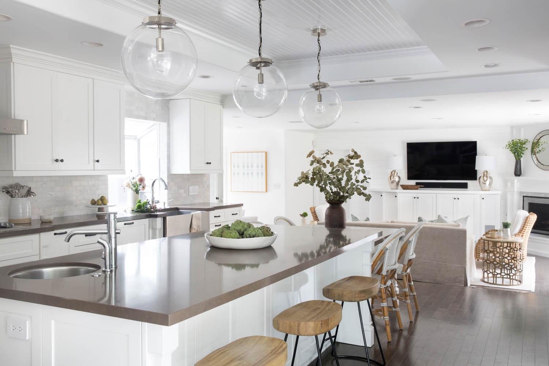 11 A Clean Coastal Home in Costa