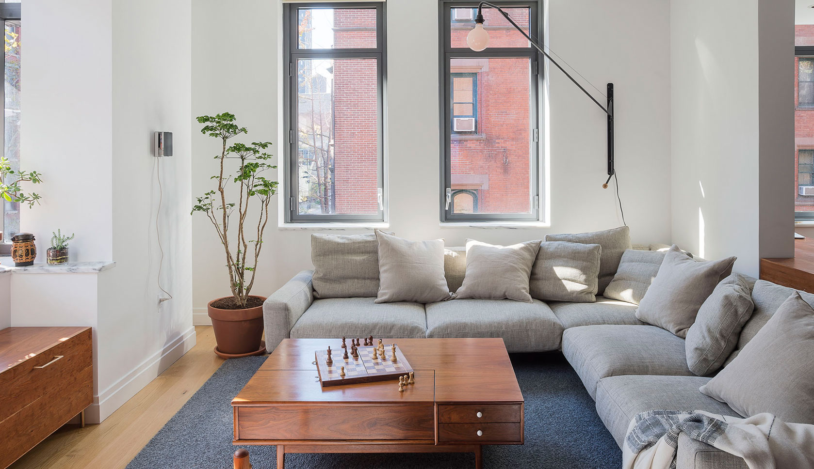 Home Tours October 2 2017 A Modern Apartment In New York Citys Gallery District