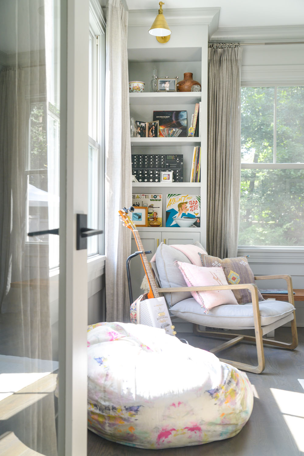 A Happy and Colorful Family Home in Connecticut by Kerri Rosenthal | Rue