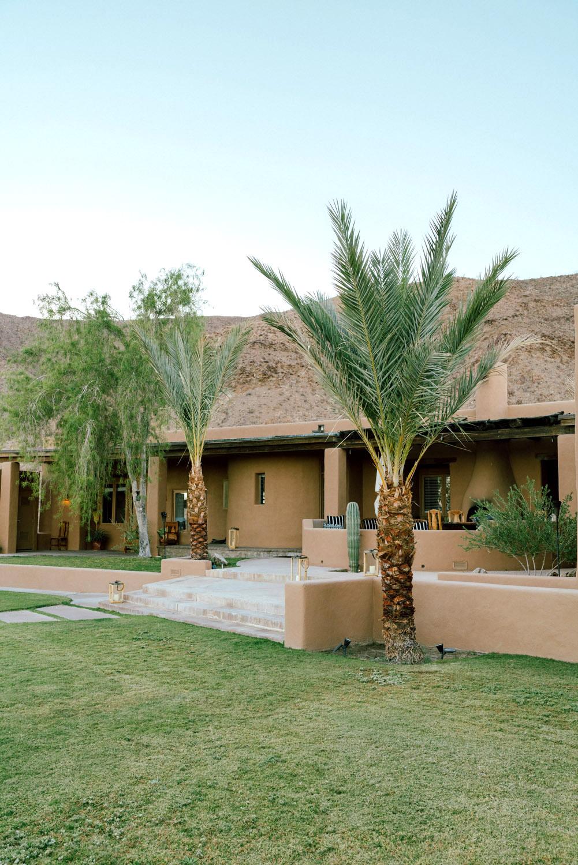 Santa Fe Style Living Room: A Santa Fe-Style Hacienda That Feels Like Vacation