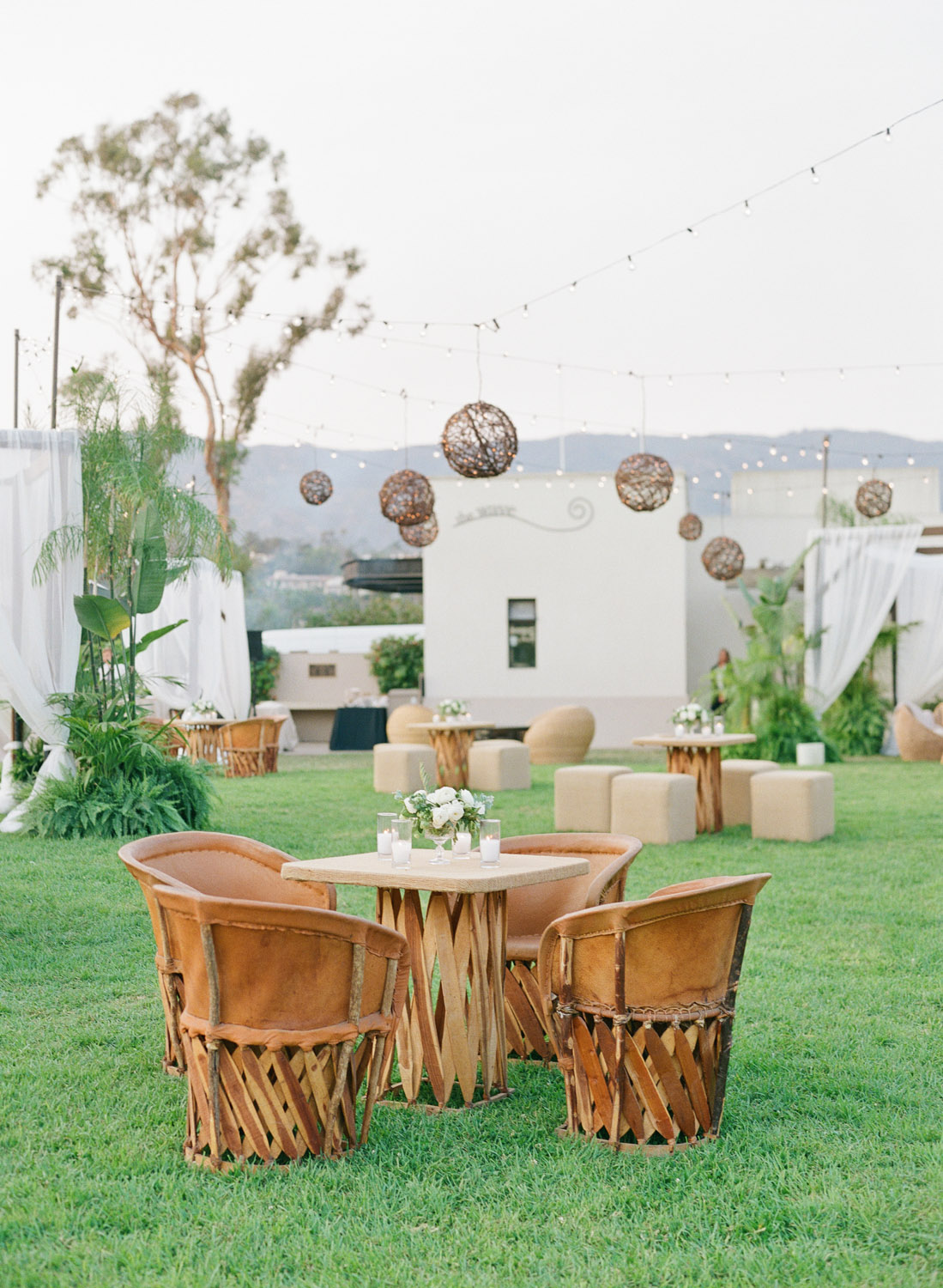 6 Outdoor Entertaining Tips For